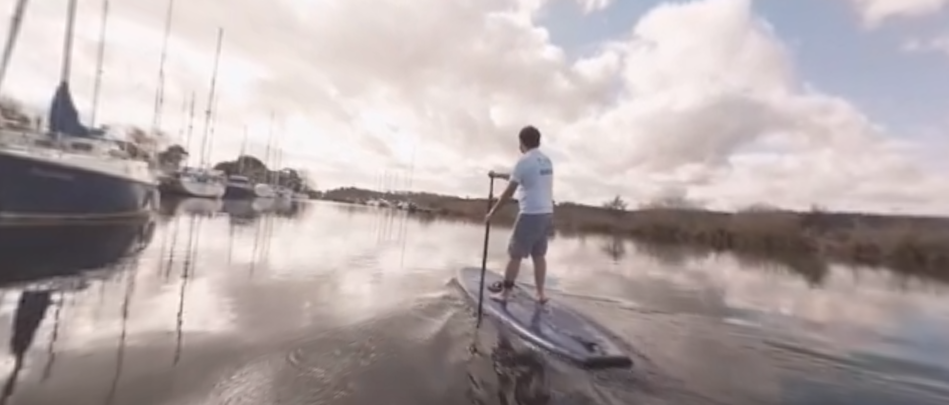 Experience stand-up paddle boarding in 360 VR