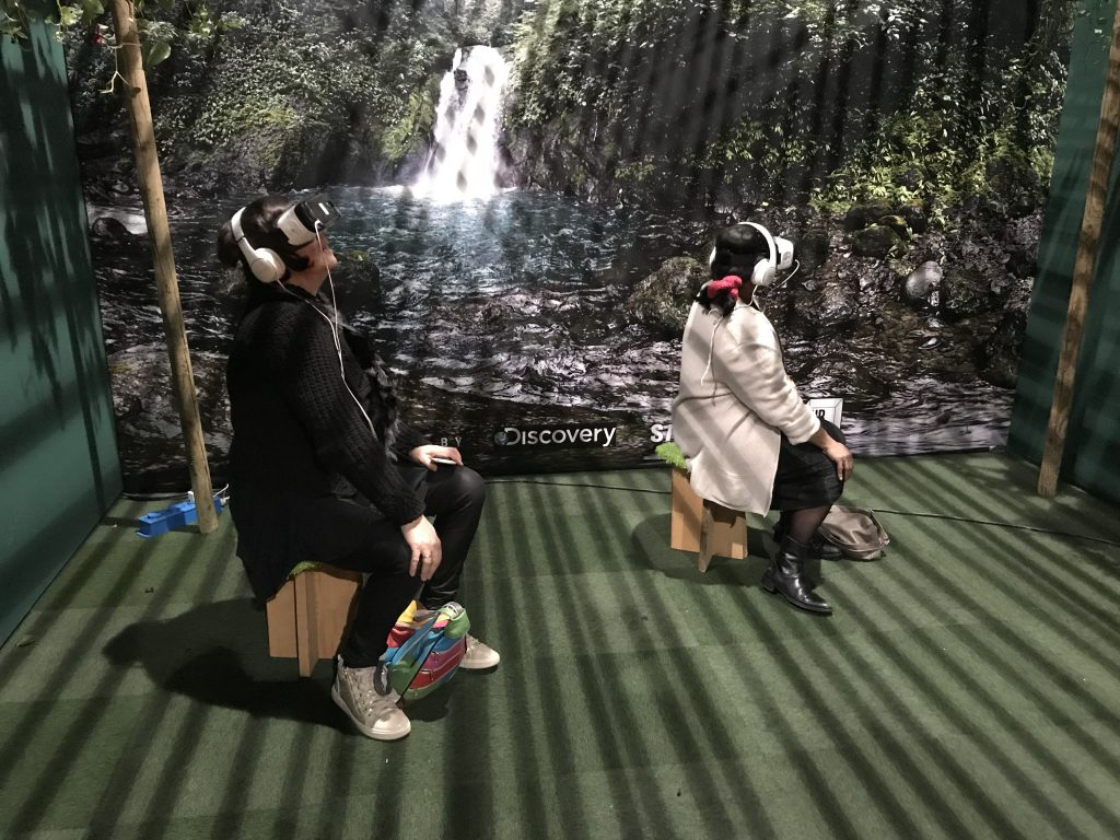 People using VR video at marketing events