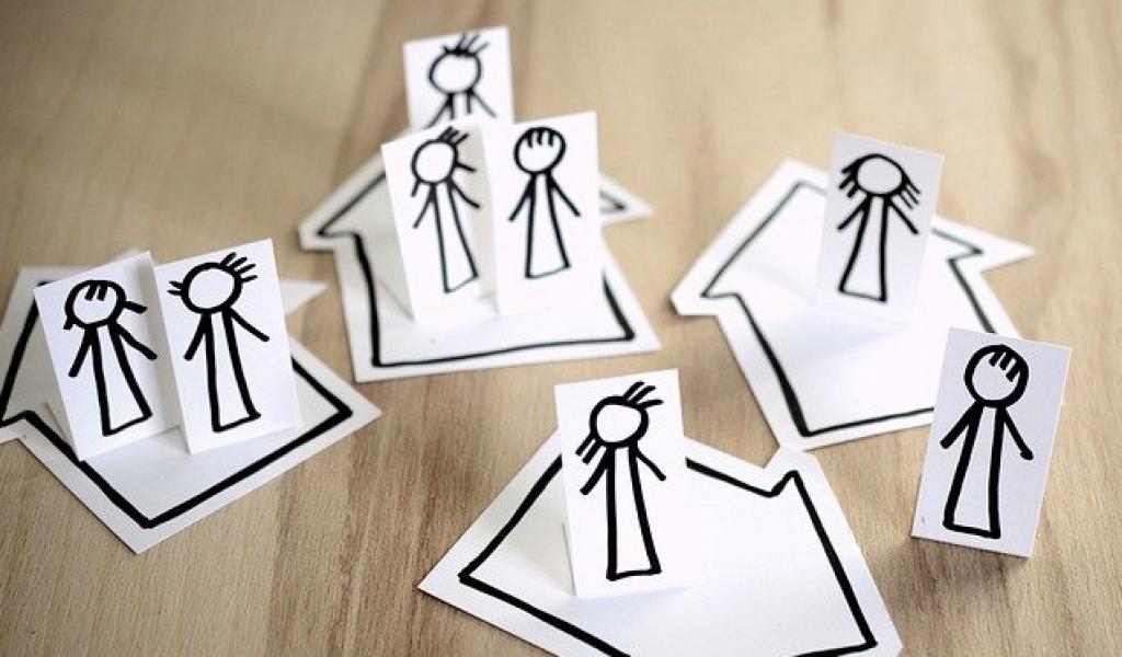 image of simple cartoon people at distance used to illustrate post lockdown media training blog